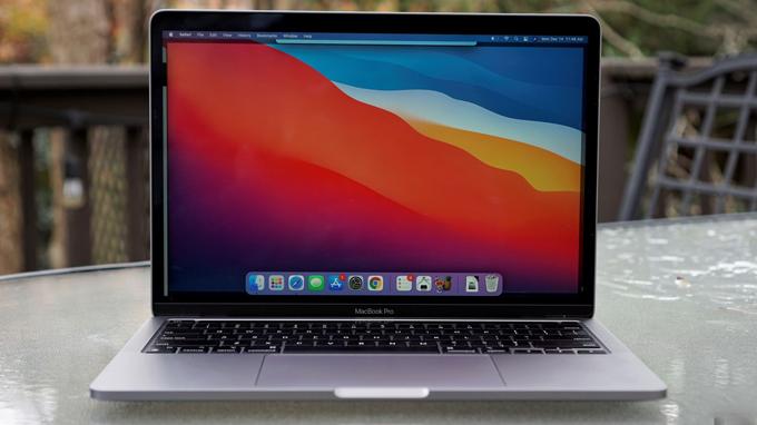 màn hình MacBook Pro M1 13 inch 2020 512GB cũng được đánh giá cao