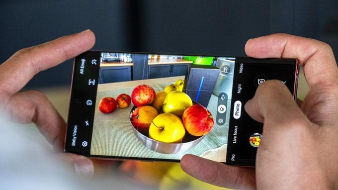 Camera Galaxy Note 10 256GB Mỹ được tích hợp 3 ống kính đáp ứng tốt nhu cầu chụp ảnh