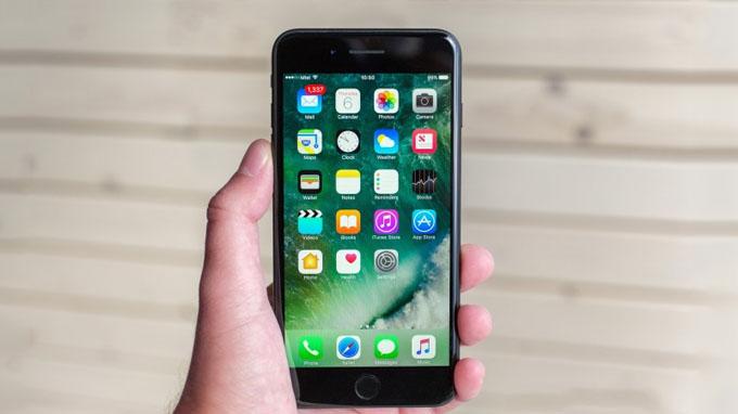 Cấu hình iPhone 7 và 7 Plus đều cung cấp sức mạnh từ chip Apple A10 Fusion mới