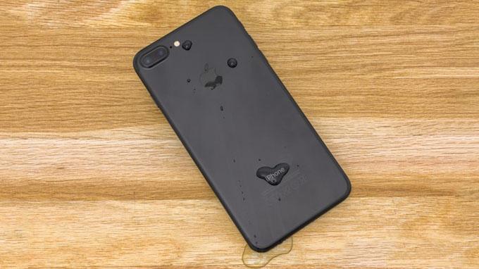 iPhone 7 Plus 32GB cũ hỗ trợ khả kháng nước đạt chuẩn IP 67