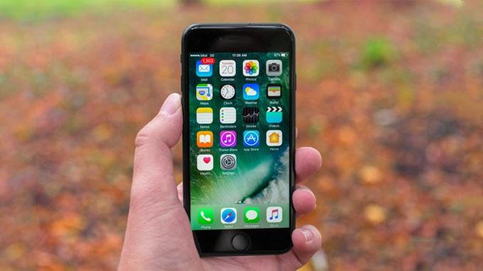 Màn hình iPhone 7 128GB cũ được trang bị tấm nền IPS LCD với kích thước 4.7 inch