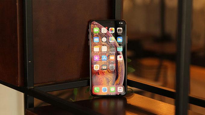 iPhone Xs Max 64GB cũ được Apple trang bị viên pin 3.174 mAh