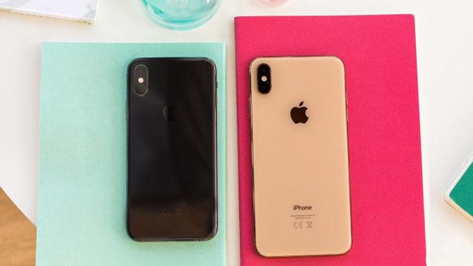 thiết kế iPhone Xs Max gần như giống với thiết kế iPhone Xs giá rẻ