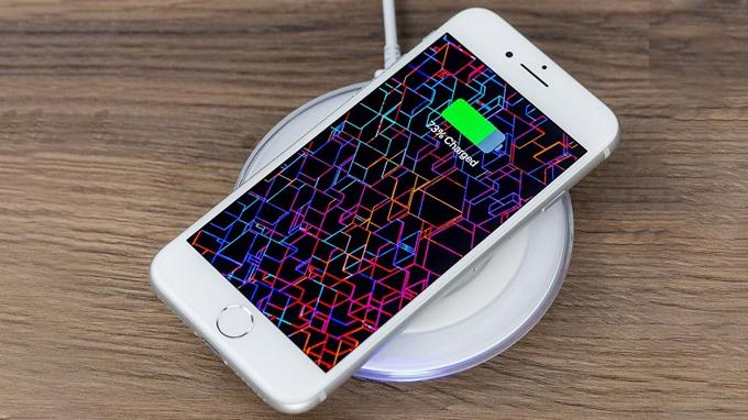 iPhone 8 Plus sở hữu nhiều tính năng như trên iPhone Xs