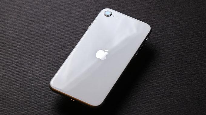 camera iPhone SE 2020 256GB cũ chỉ được tích hợp 1 ống kính có độ phân giải 12 MP