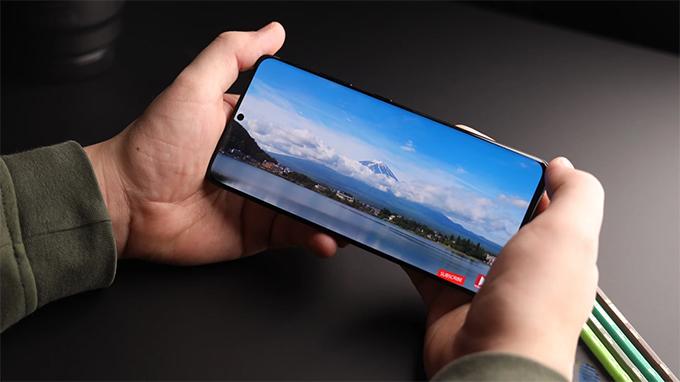 Galaxy S21 Ultra được trang bị màn hình lên đến 6,8 inch