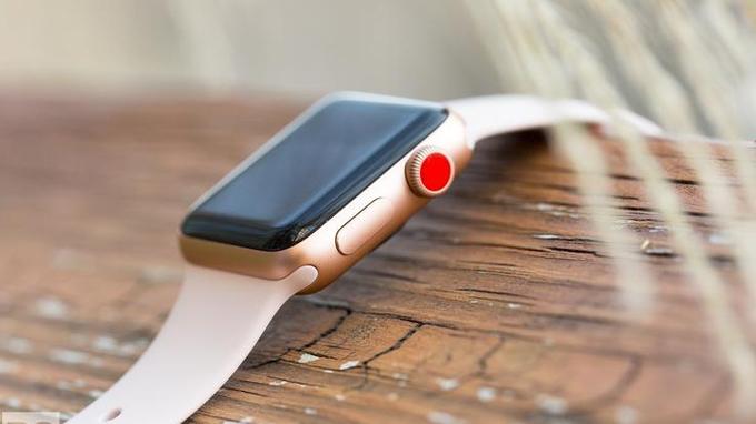 Apple Series 3 42mm cũ hỗ trợ eSIM được tích hợp núm xoay Digital Crown màu đỏ