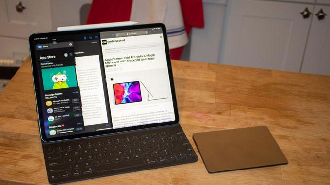 iPad Pro 2020 12.9 256GB Wi-Fi 4G được tích hợp thêm bàn phím Magic Keyboard