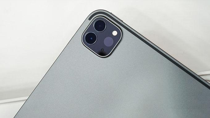 camera iPad Pro 2020 12.9 Wi-Fi 4G 256GB khá giống với các model iPhone 11 Pro và iPhone 11 Pro Max