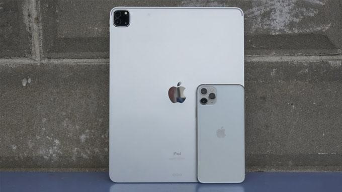 camera iPad Pro 2020 được đặt trong một khối hình vuông vô cùng ấn tượng với thiết lập 3 camera
