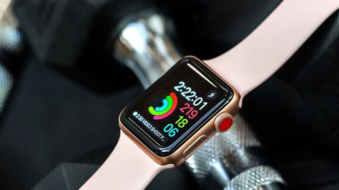 Màn hình Apple Watch Series 3 38mm cũ được trang bị tấm nền AMOLED