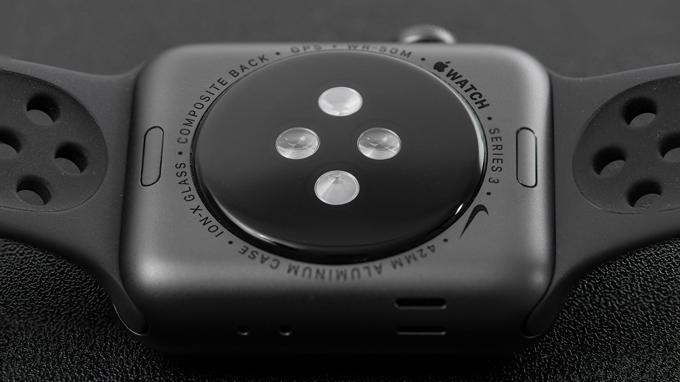 Apple Watch Series 3 đạt chuẩn chống nước IP68