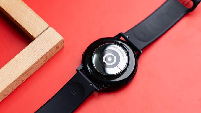Cấu hình Galaxy Watch Active 2 được cung cấp sức mạnh từ chip xử lý dual-core Exynos 9110