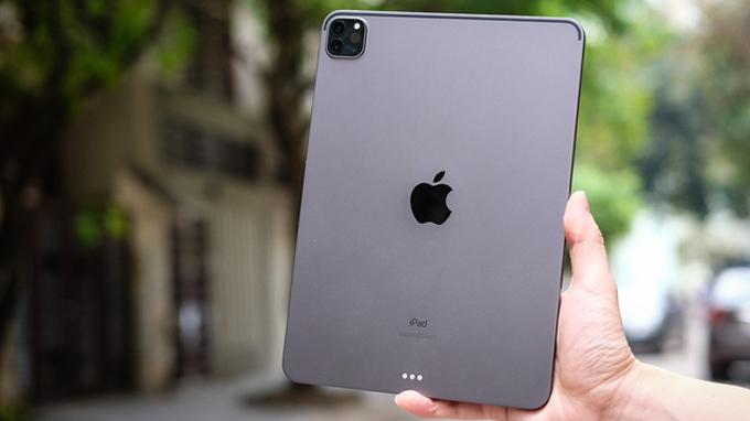 Thiết kế iPad Pro 128GB Wifi nổi bật với cụm camera hình vuông