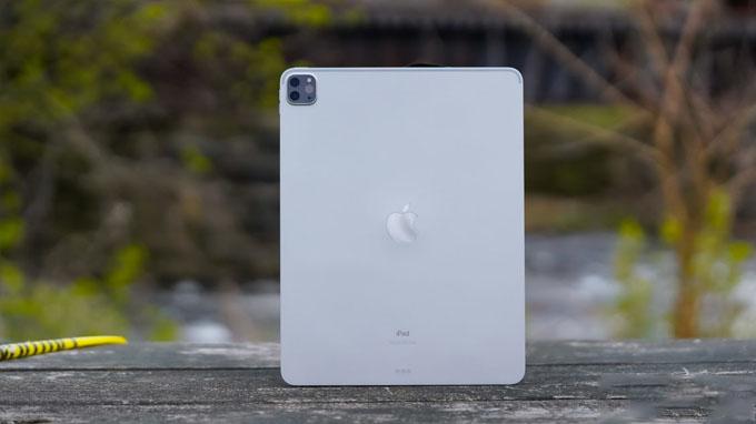Thiết kế iPad Pro 2020 được đánh giá cao với các góc cạnh vuông vức