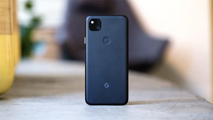 tổng thể thiết kế Google Pixel 4A cũ không có nhiều khác biệt so với phiên bản Pixel 4