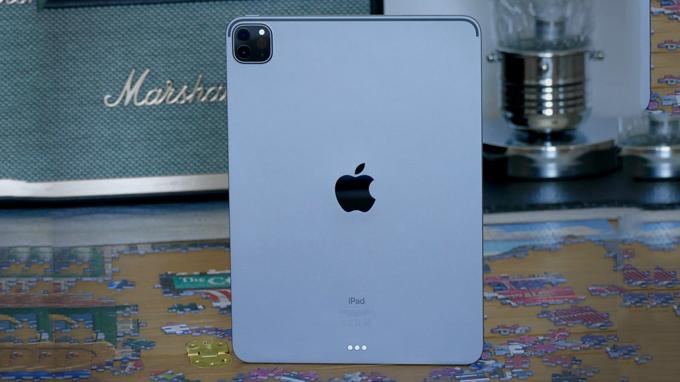 iPad Pro 2020 11 inch 128GB 4G được tích hợp viên pin Li-Po, cho thời lượng sử dụng lên đến 10 tiếng