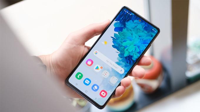 Samsung vẫn quyết định mang đến những điều tốt nhất cho màn hình Galaxy S20 Fan Edition