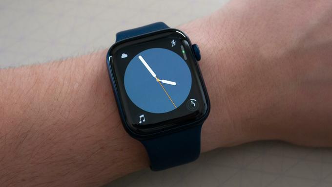 Màn hình trên Apple Watch series 6 44mm GPS giá rẻ được đánh giá khá cao