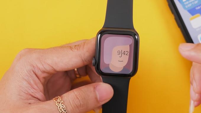 Thiết kế Apple Watch SE 40mm GPS không có nhiều khác biệt