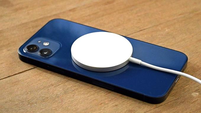 Công suất sạc của bộ sạc MagSafe cho iPhone 12