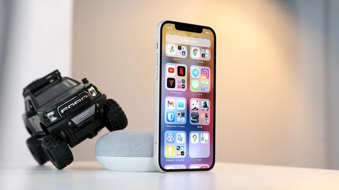 . Màn hình iPhone 12 128GB cũ có kích thước 6.1 inch