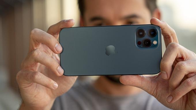 camera iPhone 12 Pro Max 256GB cũ đáp ứng tốt nhu cầu chụp ảnh