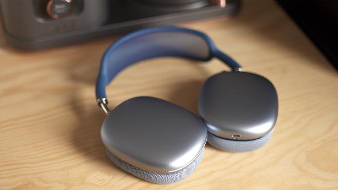 tai nghe AirPods Max có thể đáp ứng được khoảng 20 giờ sử dụng