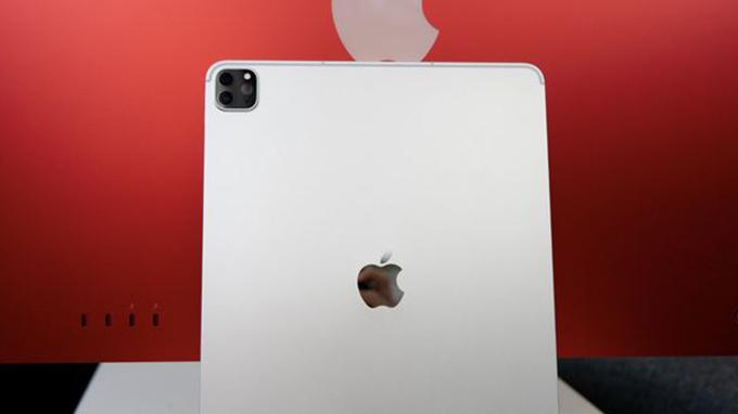 camera-iPad-pro-2021-m1-11_inch-256GB-wifi