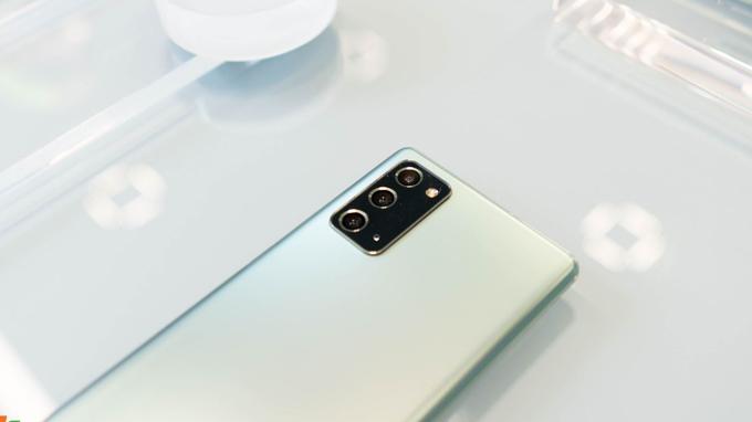 Galaxy Note 20 5G bản Mỹ giá rẻ được tích hợp viên pin 4.300 mAh