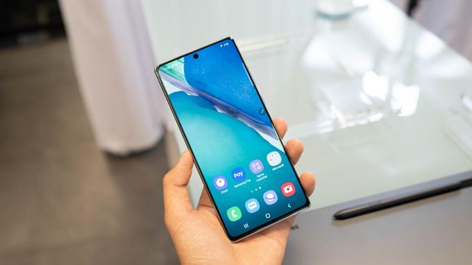 Điện thoại Samsung Note 20 5G bản Mỹ sở hữu màn hình đẹp