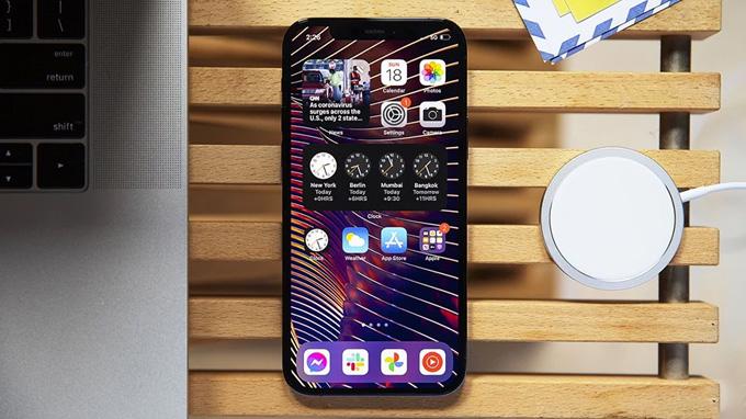 Màn hình iPhone 12 Pro Max 512GB được trang bị tấm nền OLED cao cấp