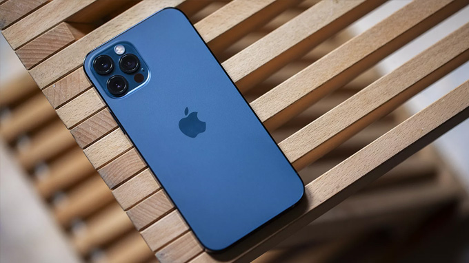 Thiết kế iPhone 12 Pro Max 512GB gợi nhớ đến các model iPhone cũ